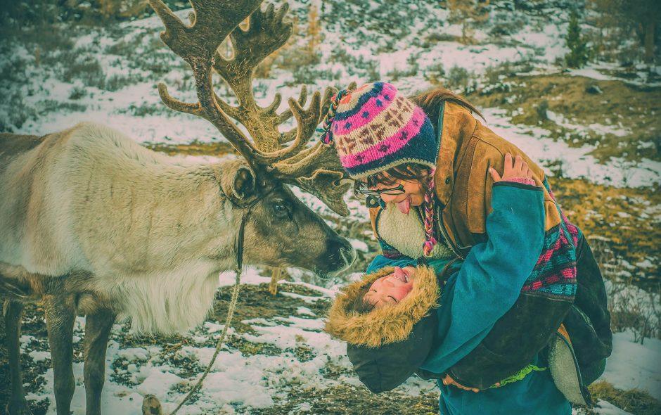 vnexpress: Cô gái Việt xin ngủ cùng bộ lạc tuần lộc ở Mông Cổ