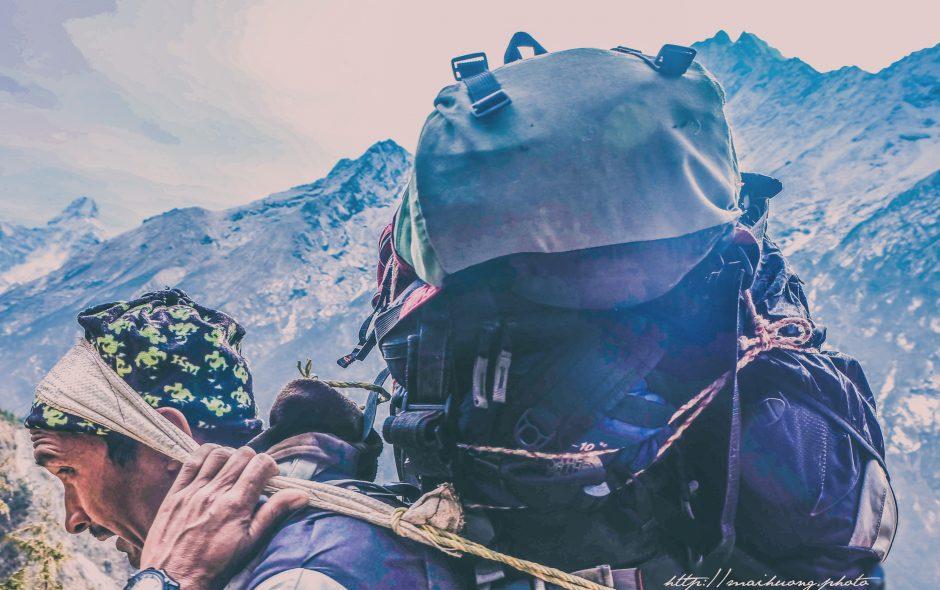 """Himalayan mountain porters, """"world's strongest people"""" / Những người khuân vác mạnh nhất thế giới (Phóng sự ảnh)"""