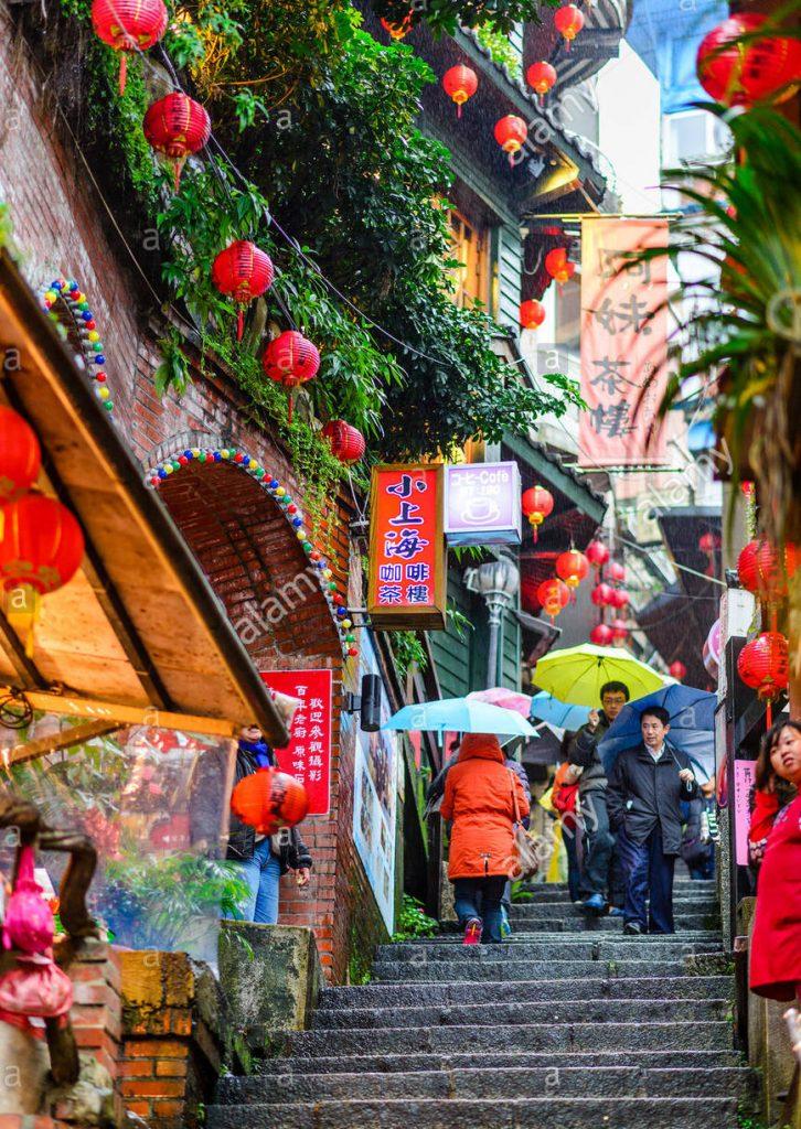 jiufen-taiwan-old-town-steps-GWPJMM