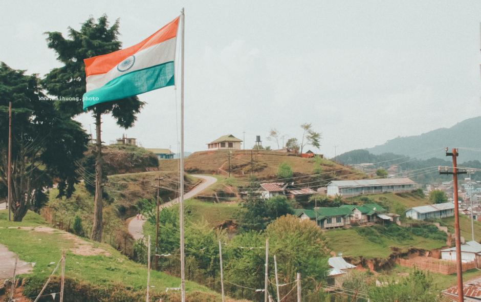 Lá cờ Ấn Độ tung bay trên lãnh thổ Ziro, bang Arunachal Pradesh.
