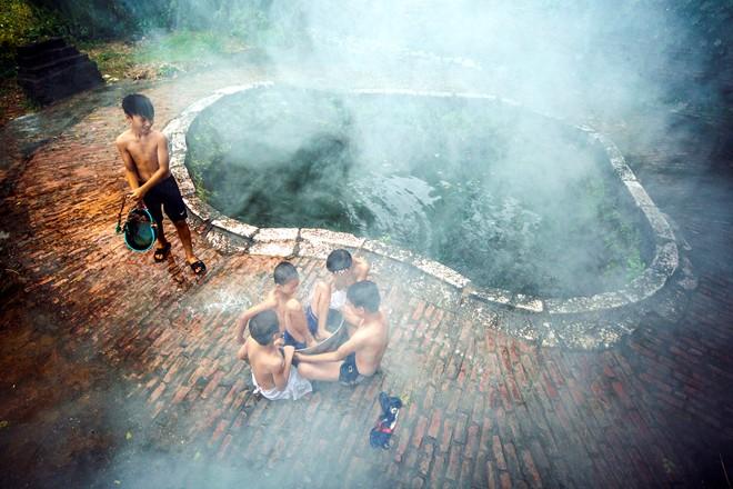 Tuổi Trẻ: Nghề phu nước ở Giếng cổ Hội An (phóng sự truyền hình)