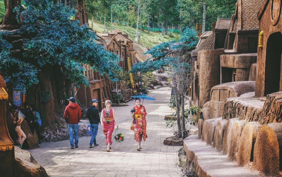 """Khám phá """"bức tranh"""" đường hầm đất sét ở Đà Lạt"""